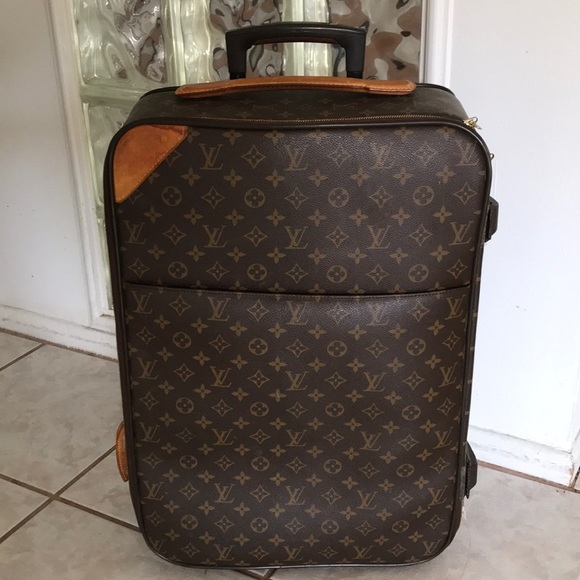 d7097c70f480 Louis Vuitton Handbags - LOUIS VUITTON Monogram Pegase 55 Business suitcase